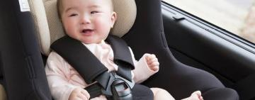 4 Essential Accessories for Traveling in the Car With Baby