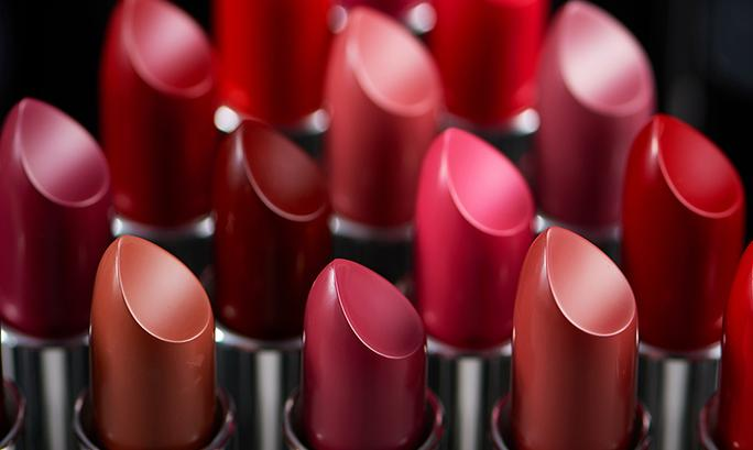Confused to Pick the Right Lipstick Shade for Your Skin Tone: Here's a Perfect Guide