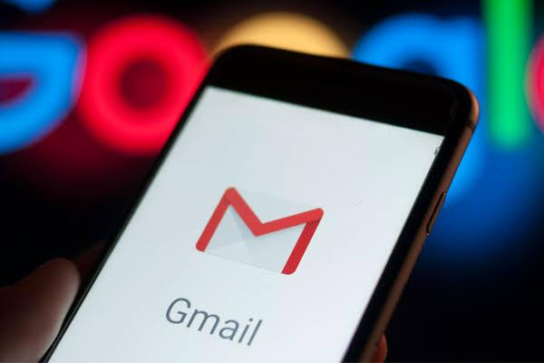 Gmail will soon automatically correct your typos and grammar goof-ups